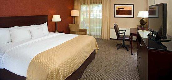 Washington, PA: Standard King Guestroom