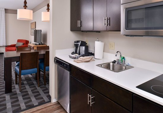 Gillette, WY: Suite Kitchen