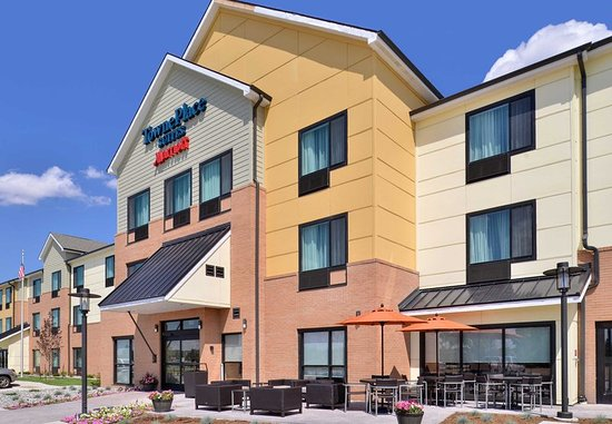 Gillette, WY: Entrance and Patio