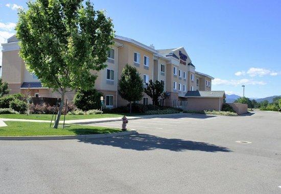 Fairfield Inn & Suites Redding: Exterior