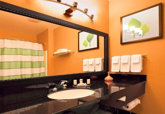 เซบาสโตโพล์, แคลิฟอร์เนีย: Guest Bathroom Vanity