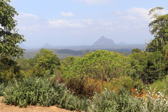 Maleny, Australia: beautiful views over the Glasshouse Mountains