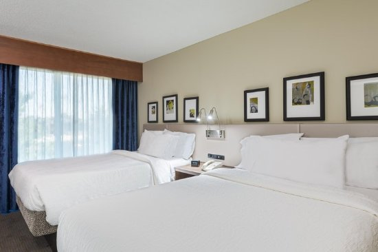 Westbury, NY: Double Junior Suite Bed