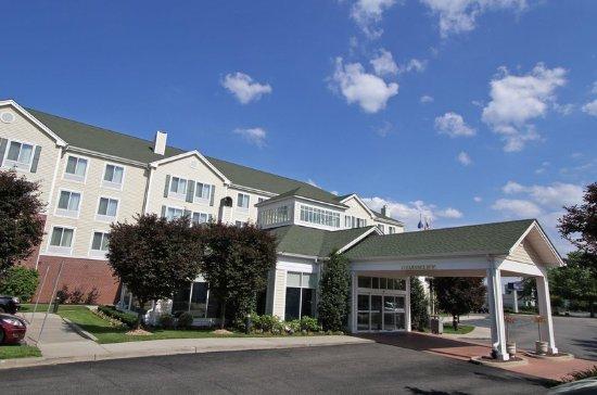 Welcome to the Hilton Garden Inn Westbury.