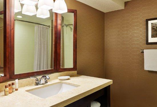 Beltsville, MD: Guest Bathroom