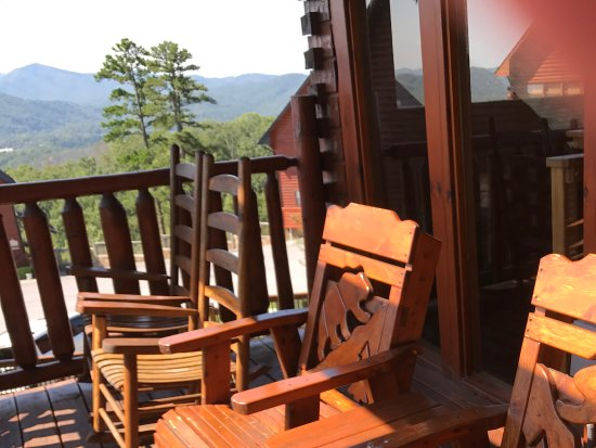 Starr Crest Resort: Upper Deck Furniture