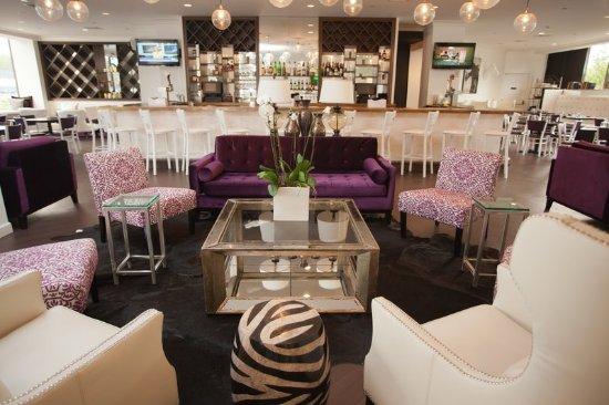 New Rochelle, NY: Bar/Lounge