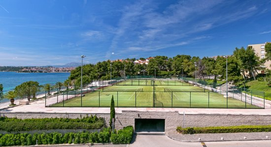 Podstrana, Croácia: Tennis courts