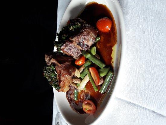 โตรต์เดล, ออริกอน: Lamb steaks, halibut and cream of potato soup
