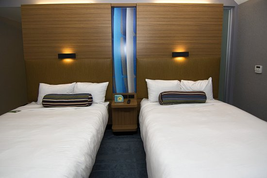 Aloft Miami Doral Double Guest Room