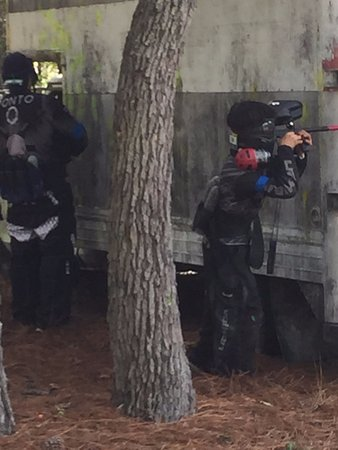 Hudson, Флорида: AGES 10 AND UP CAN PLAY AT GATOR PAINTBALL XTREME