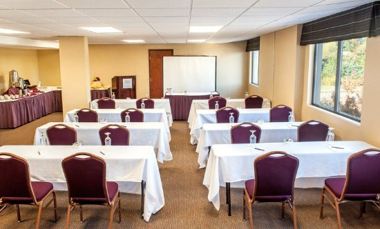 Revere, MA: Meeting Facilities