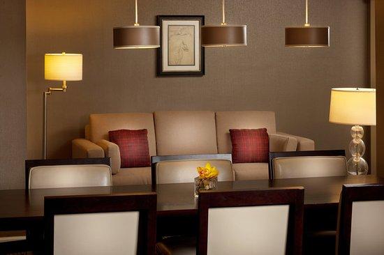 Morristown, NJ: Presidential Suite - Dining Room