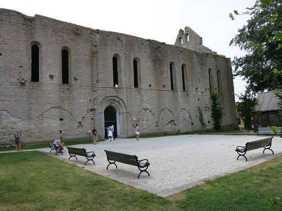 St. Nicolai Ruin: 外観 横から