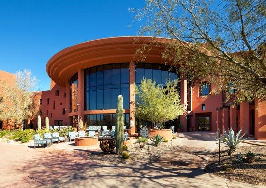 Chandler, AZ: Exterior