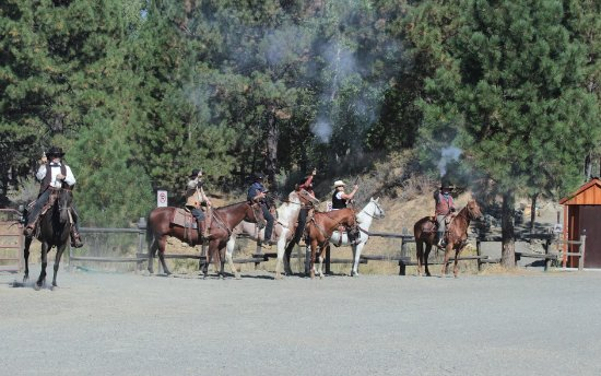 Sumpter Valley Dredge: Cowboys ready to chase the train
