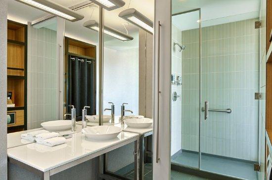 บรูมฟีลด์, โคโลราโด: Bathroom