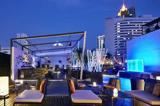 Four Points By Sheraton Bangkok, Sukhumvit 15: amBar