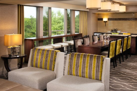 Rocky Hill, CT: Club Lounge