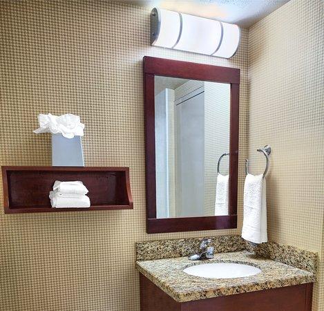 Culver City, CA: Guest Bathroom