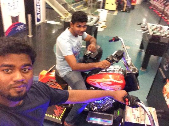 Sathyam Cinemas : Blur Love