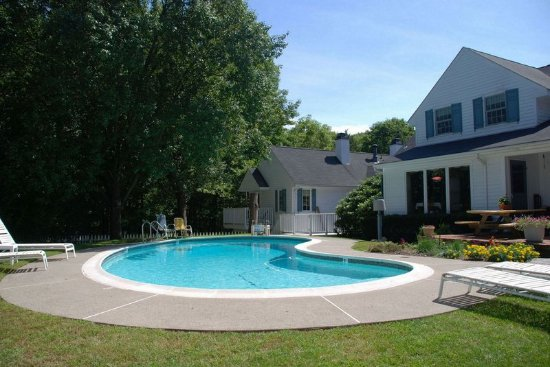 Newton, NJ: Outdoor pool