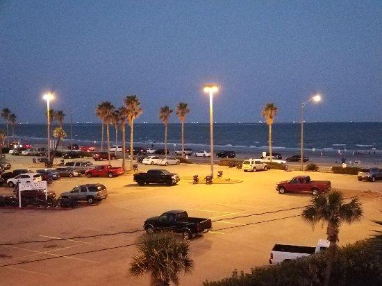 Red Roof Inn Galveston - Beachfront/Convention Center : Resized_20170916_194117_2530_large.jpg