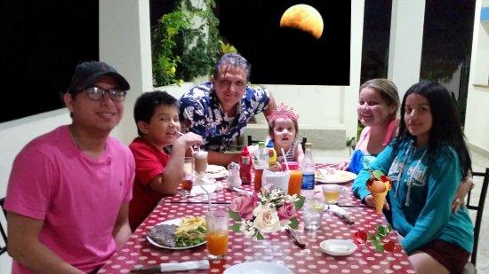Sabor Espanol: Gracias a esta simpàtica familia por volver a visitarnos desde Manta y por su confianza.