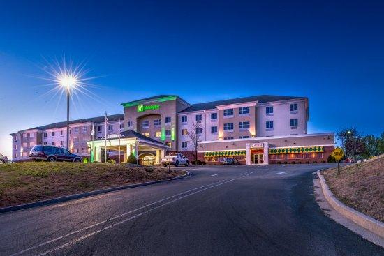 Poplar Bluff, MO: Hotel Exterior