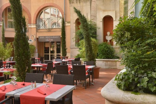 Crowne Plaza Toulouse: Summer restaurant Grand Patio du Plaza - Inner court