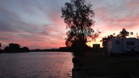 Bellingen, Australia: Sunset over the Bellinger River