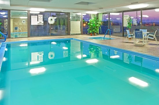 Holiday Inn Muskegon Updated 2018 Hotel Reviews Price