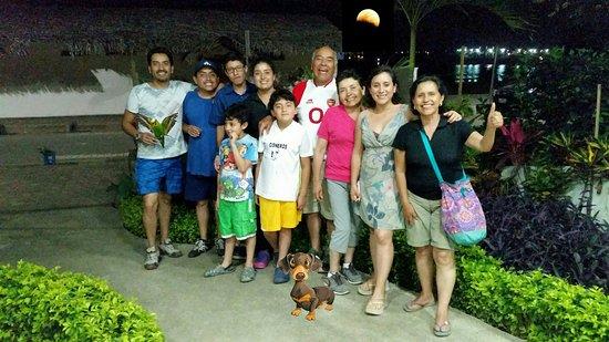 Sabor Espanol: Geniales bella familia y queridos amigos de Quito.  Cuidaros mucho.