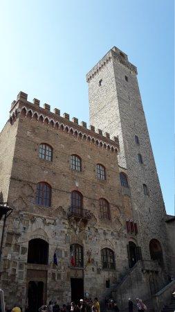 Torre Grossa (o Torre del palazzo del Podesta) : 20170902_121628_large.jpg