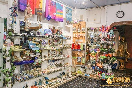 Green Island, Australia: souvenir shop