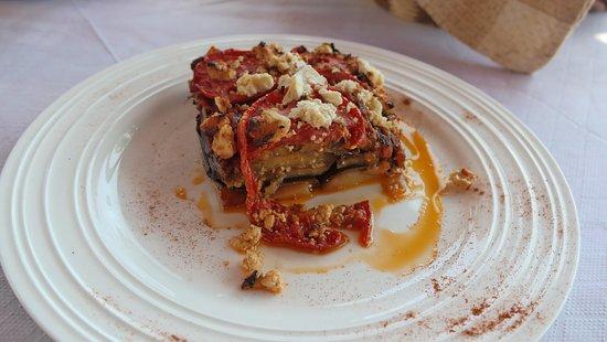 Elafonisi Resort by Kalomirakis Family: dinner at taverna - baked vegetables with feta