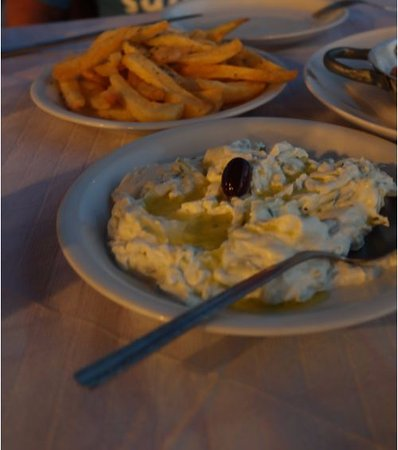 Elafonisi Resort by Kalomirakis Family: dinner at taverna - french potatoes and tzatziki