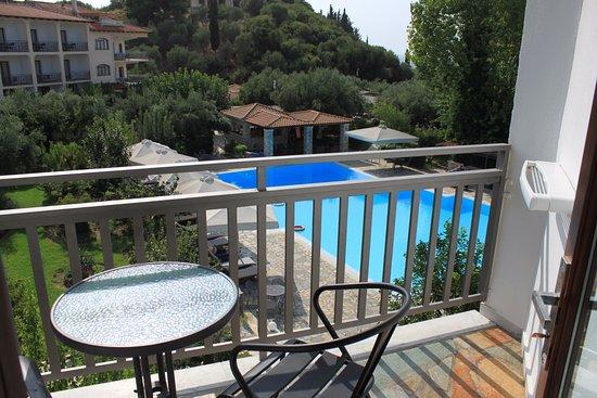 Hotel Europa: De l'étage supérieur, vue sur la piscine