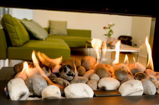 Paringa, Australia: A cosy gas fire on those cold winter nights in Pastiche