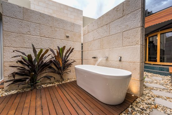 Paringa, Australia: Bath under the stars in Montage Retreat