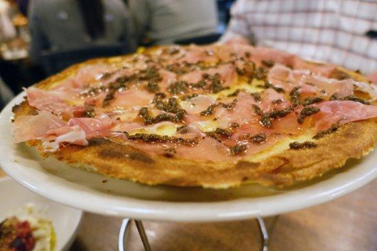 Rozelle, Australia: Focaccia con formaggio