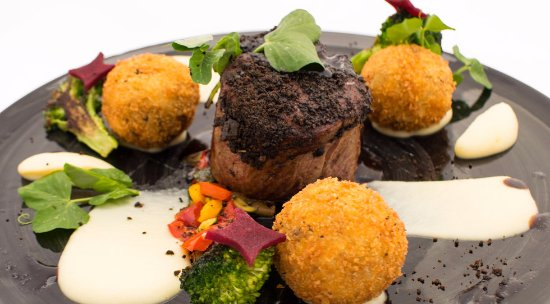 Centurion, South Africa: Crusted Beef Fillet