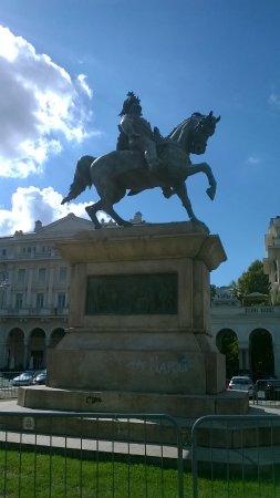 Statua Vittorio Emanuele II