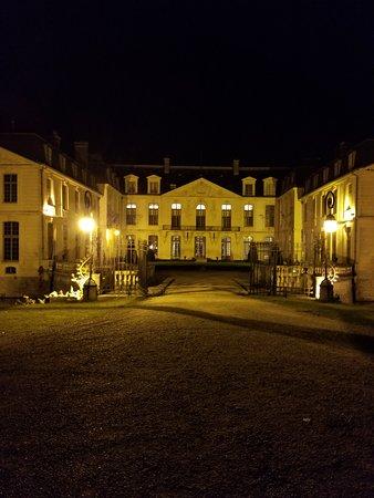 Chateau D'Ermenonville : Vue du chateau de nuit