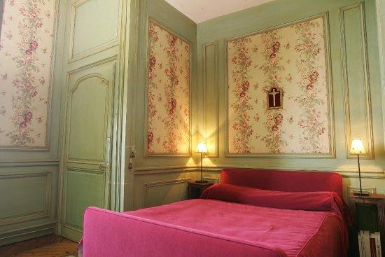 """Craon, France: L'alcove de la chambre """"Louis Philippe"""""""