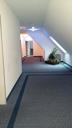 Hirschengarten Hotel: corridoio