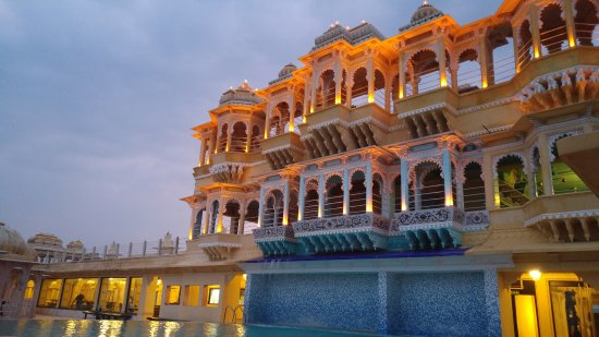 Chunda Palace Hotel: Rooftop at Sunset