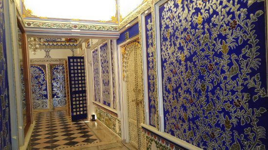 Chunda Palace Hotel: Hallway to some of the Suites