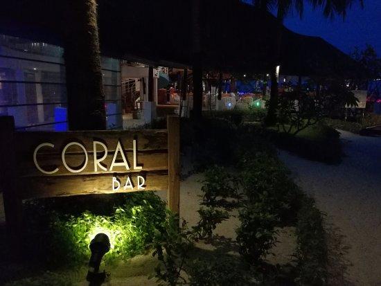 Bandos: coral bar