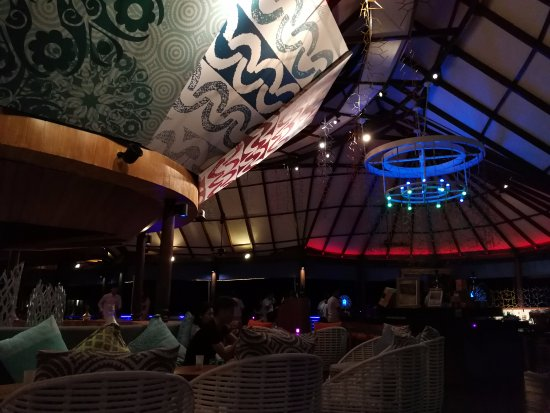 Coral Bar & Lounge: inside